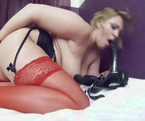 blonde chubby mature with her dildo and pissing act